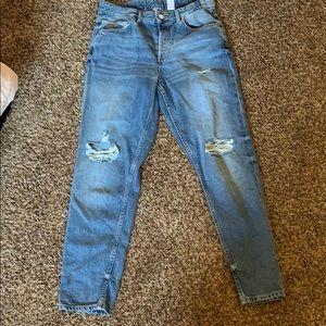Boyfriend/Mom Jeans